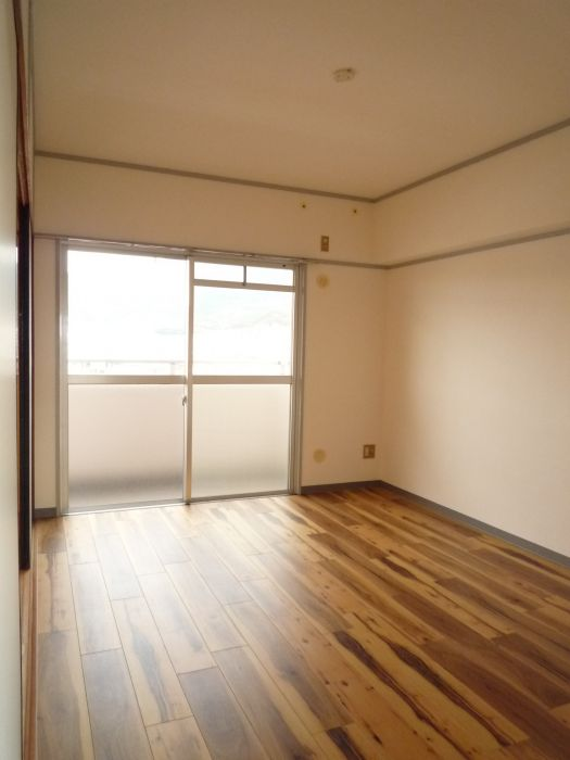 和室横の洋室です♪