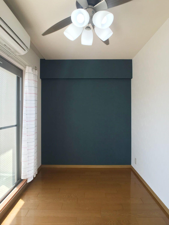 ★寝室はデニム調のクロス★シーリングファン照明完備★