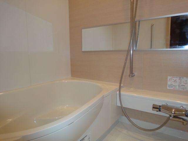浴室:追炊き・浴室乾燥機付