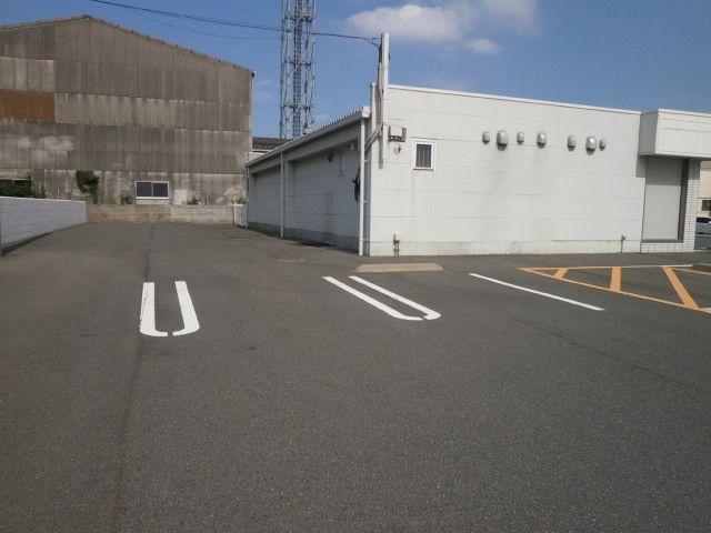 大型車用の駐車スペースもあります!!