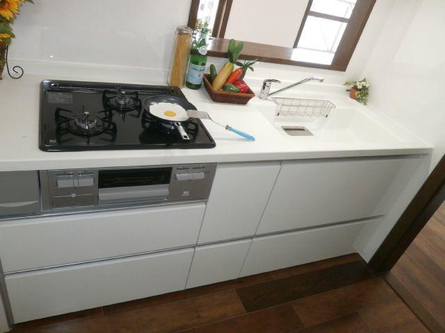 新品のシステムキッチンです!!