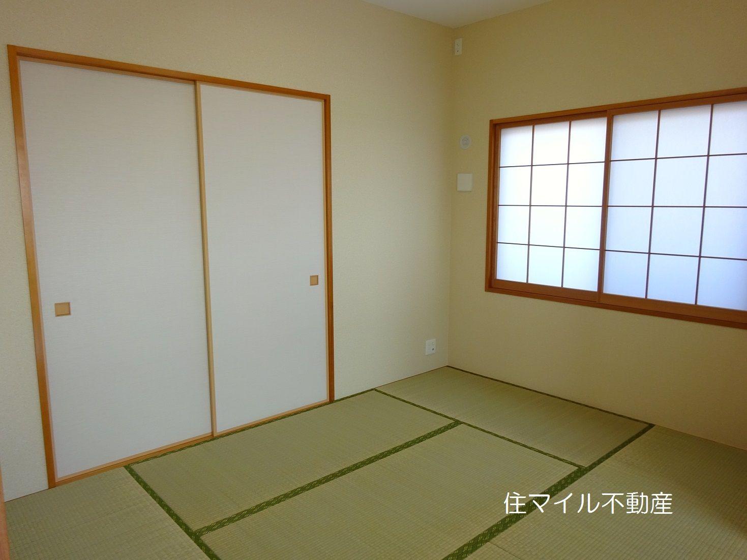 洋室7.5帖収納棚